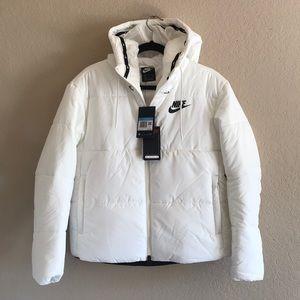 NWT! White Nike puffer coat!